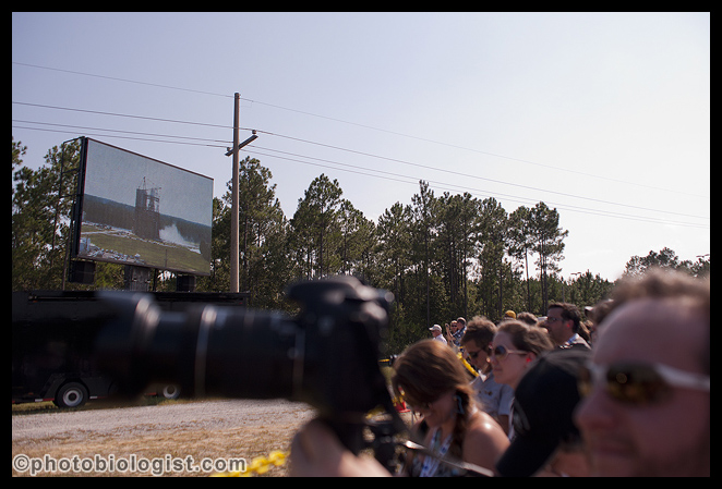 There were photographers, videographers and observers VERY close to me on all 3 sides; getting to the rope line early was very important if you wanted to get pictures of the engine test without people in the foreground.